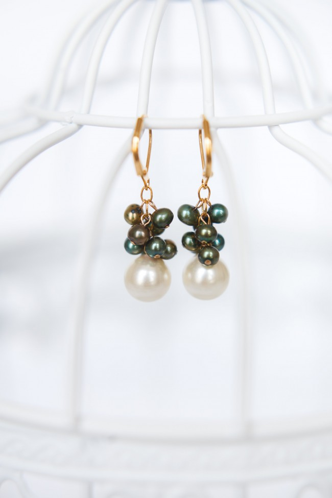 Modern pearl earrings in ivory and green with gold metals, modern and custom jewelry by J'Adorn Designs