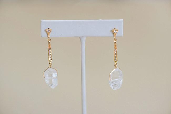 custom vintage inspired yellow gold bridal earrings with raw crystal jadorn designs custom jewelry