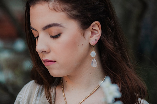 Senior portraits styling ideas, jewelry and accessories to wear for senior portrait photography by J'Adorn Designs handcrafted jewelry and Maria Ortiz Photography