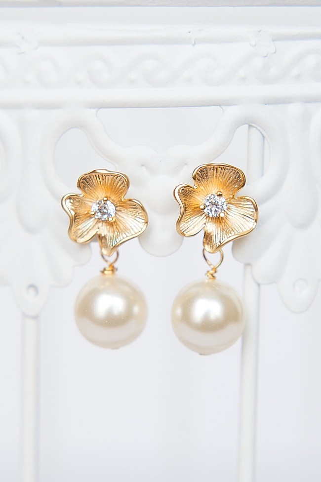 Posy and Pearl bridal earrings with matte gold flower and pearl drop, hypoallergenic post earrings for a wedding with sparkly flower center, made by J'Adorn Designs in Catonsville, Baltimore, Maryland